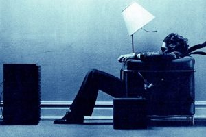 Maxell-tapes-Blown-away-guy-in-chair-1983-1-770x513